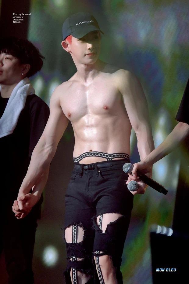 Nửa đêm nam idol đình đám lên top trend vì ảnh phản cảm đỉnh điểm: Mặc đồ ngắn, chĩa thẳng ống kính vào vùng nhạy cảm - Ảnh 7.