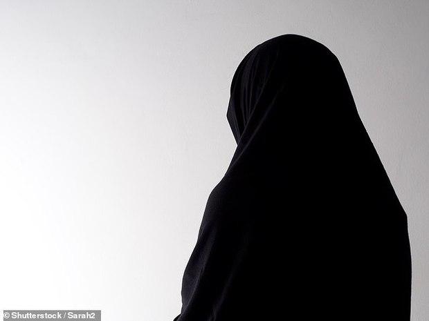 Hỗn loạn trong thảm cảnh: Chỉ vì lời hứa được đưa đi tiêm vaccine Covid-19, cô gái Ấn Độ bị lừa bắt cóc và cưỡng hiếp tập thể dã man - Ảnh 1.