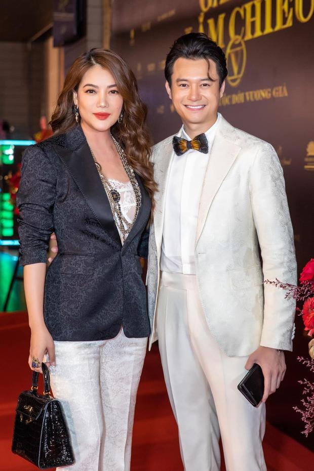 Anh Dũng cuối cùng cũng đã xác nhận hẹn hò chị đẹp Trương Ngọc Ánh bằng khoảnh khắc cực ngọt - Ảnh 4.