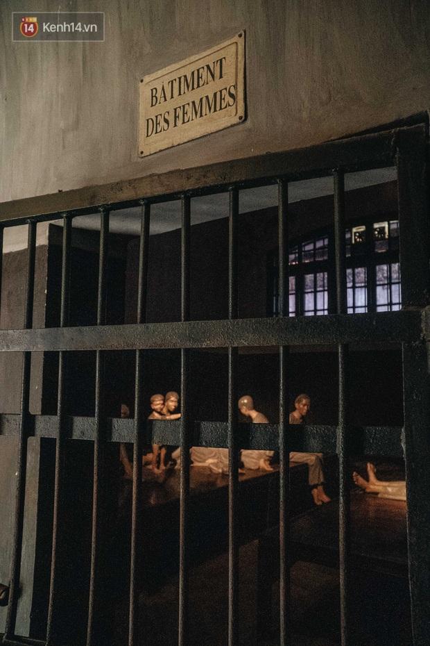 Làm content cưng xỉu trên Fanpage nhưng trải nghiệm Nhà tù Hỏa Lò xong thì ai cũng khóc: Hiếm có một nơi tưởng như lạnh lẽo lại chứa nhiều thứ ấm nóng đến vậy! - Ảnh 27.