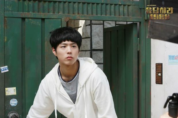 6 nam thần phim Hàn đẹp át vía nữ chính: Song Joong Ki chốt ngay vị trí đầu - Ảnh 11.