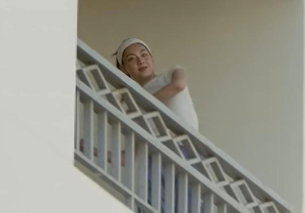 Có một cô gái xuất hiện chớp nhoáng trong MV mới của Sơn Tùng, ai đây nhỉ? - Ảnh 7.