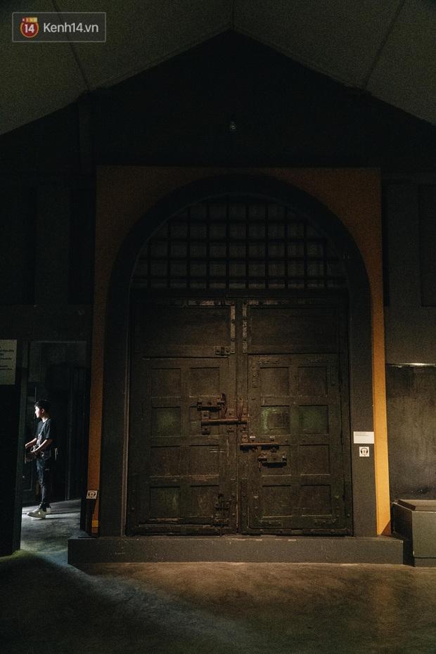 Làm content cưng xỉu trên Fanpage nhưng trải nghiệm Nhà tù Hỏa Lò xong thì ai cũng khóc: Hiếm có một nơi tưởng như lạnh lẽo lại chứa nhiều thứ ấm nóng đến vậy! - Ảnh 17.