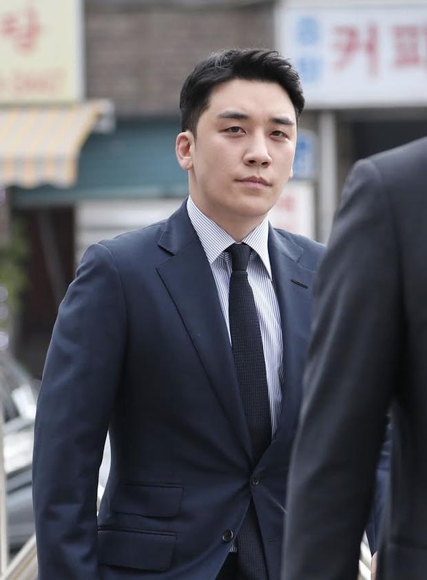 Cựu thành viên F.T. Island bật khóc xin lỗi Seungri trước toà, tình tiết vụ án xã hội đen bị lật ngược, chuyện gì đây? - Ảnh 3.
