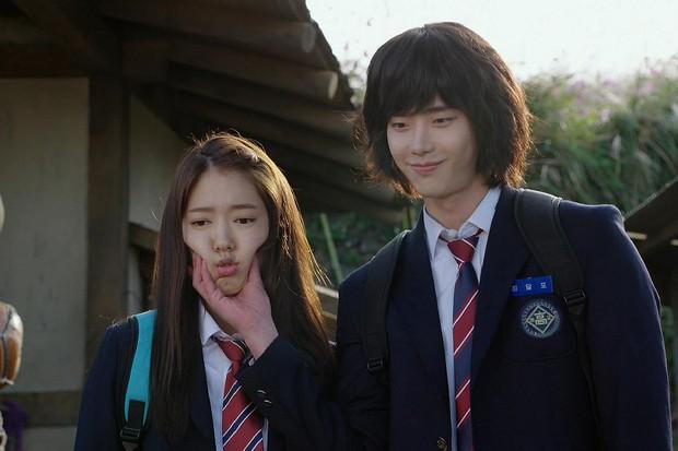 6 nam thần phim Hàn đẹp át vía nữ chính: Song Joong Ki chốt ngay vị trí đầu - Ảnh 19.