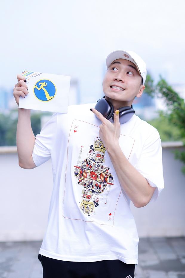 Karik lộ bụng tròn xoe ở Running Man, hậu quả của việc uống nước ngọt từ thời Rap Việt? - Ảnh 4.