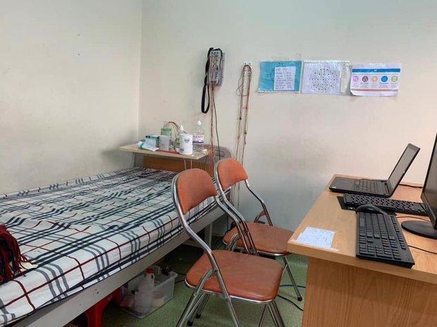 Việc nhẹ lương cao: Trường ĐH ở TP.HCM tuyển người đến trường ngủ qua đêm, nhận nóng 300.000 đồng - Ảnh 1.