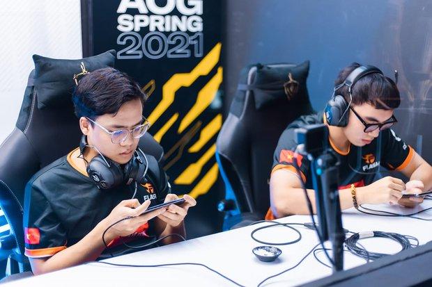 Team Flash giành vé vào Chung kết ĐTDV nhưng lại vô tình để lộ điểm yếu chí mạng, Saigon Phantom được lợi? - Ảnh 3.