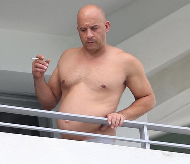 """Ai rồi cũng bị """"ngải heo"""" quật: Tài tử Titanic và nam thần Twilight tuột dốc không phanh, Vin Diesel (Fast & Furious) múi dồn 1 để nuôi mỡ - Ảnh 9."""