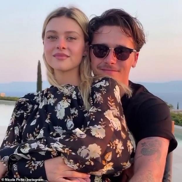 Victoria Beckham gây sốt với màn đọ sắc bên con dâu, chỉ 1 chi tiết đã lộ rõ thái độ của mẹ chồng với tiểu thư tài phiệt - Ảnh 6.