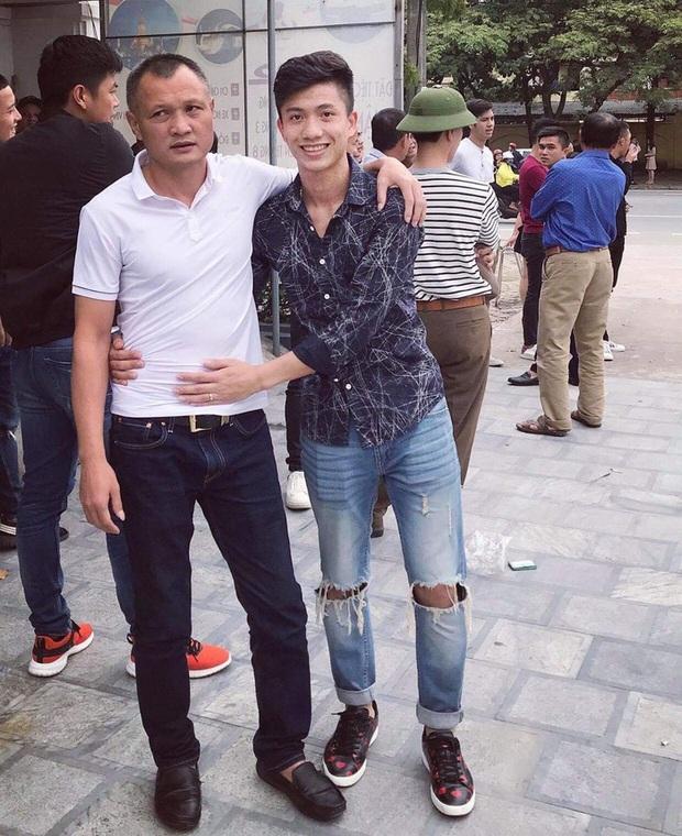 Phan Văn Đức nặng lòng khi chia tay HLV Ngô Quang Trường: Thương thầy! - Ảnh 1.