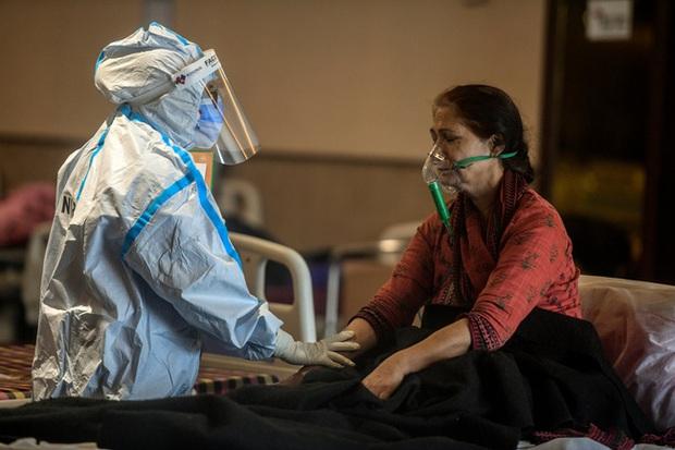 Lời kể ám ảnh của nhà báo Mỹ giữa địa ngục Ấn Độ: Không khí lúc này như thể có độc, ai cũng sợ hít thở, thi thể chất chồng mỗi ngày - Ảnh 3.