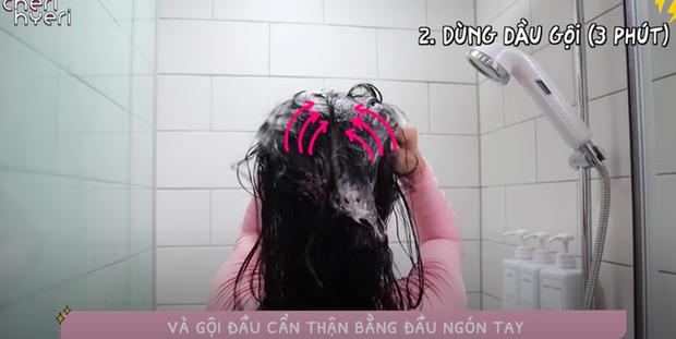 Phụ nữ Hàn gội đầu theo cách này để cải thiện tình trạng tóc dầu bết dính  - Ảnh 9.