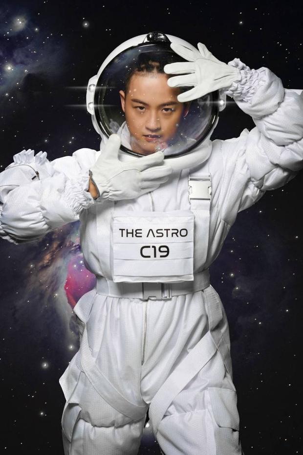 Đau đầu đi tìm phi hành gia điển trai nhất showbiz Việt: Sơn Tùng M-TP, Thanh Duy, HIEUTHUHAI hay Đạt G? - Ảnh 3.