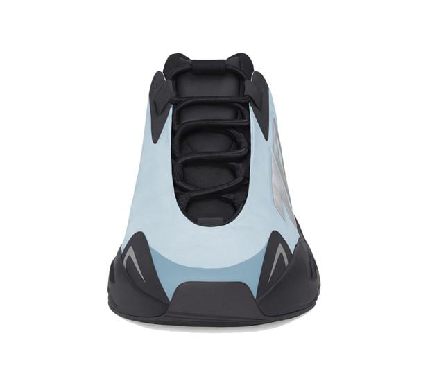 Tháng Bảy này, giày adidas Yeezy 700 MNVN Blue Tint liệu có ra mắt ở Việt Nam? - Ảnh 2.