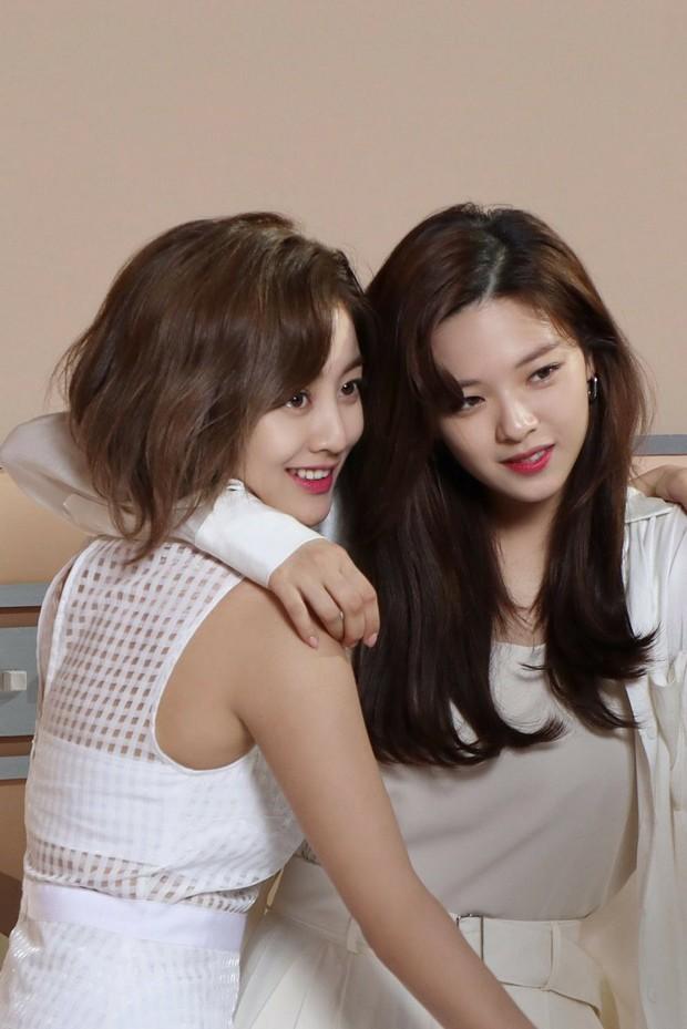 Mật báo Kbiz: Hé lộ list tình cũ của Jisoo (BLACKPINK), Lisa bị nam thần 1m91 phản bội, Kim Woo Bin - Shin Min Ah sắp cưới - Ảnh 14.