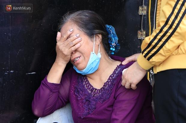 Nỗi đau tột cùng của người mẹ trong vụ cháy khiến cả gia đình 4 người tử vong: Giờ tôi mất hết con cháu rồi - Ảnh 3.
