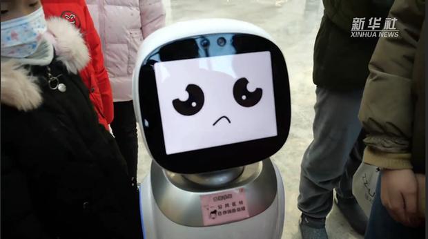 Như phim viễn tưởng, robot đã có thể cãi nhau tay đôi với con người - Ảnh 1.