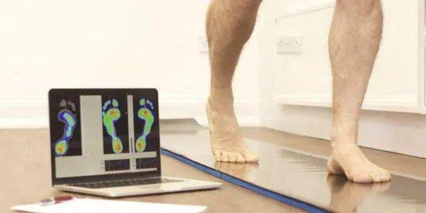 Những người sắp bị bệnh tật ập đến thường có 5 đặc điểm khi đi bộ, nếu bạn không có thì xin chúc mừng - Ảnh 1.