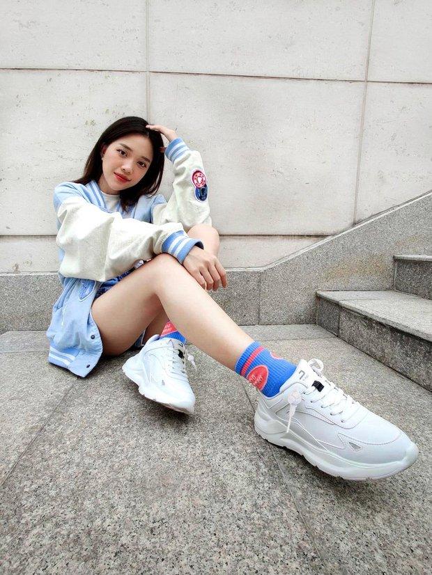 Linh Ngọc Đàm xứng danh yêu nữ hàng hiệu của làng streamer Việt, sneaker khó tìm cỡ nào chỉ cần thích là được! - Ảnh 4.