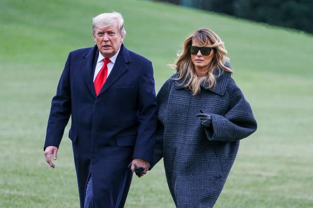 Hoá ra tin đồn cựu Tổng thống Mỹ Donald Trump và phu nhân ngủ riêng phòng là có thật, nhưng lý do đằng sau lại khác xa đồn đoán - Ảnh 2.