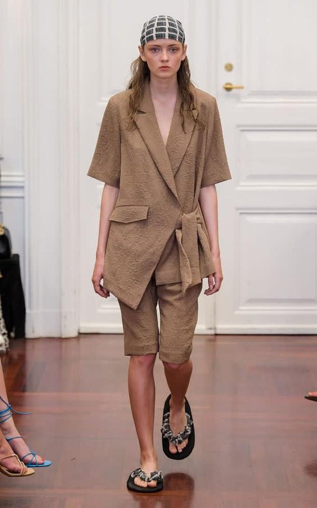 Và đây là chiếc blazer được dự là sẽ hot nhất năm 2021! - Ảnh 9.