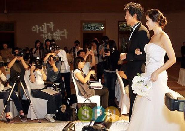 Hot lại ảnh Son Ye Jin làm cô dâu 13 năm trước, ảnh vỡ nhoè nhưng nhan sắc vẫn đỉnh: Thế này Hyun Bin vội rước về đi chứ còn gì? - Ảnh 3.