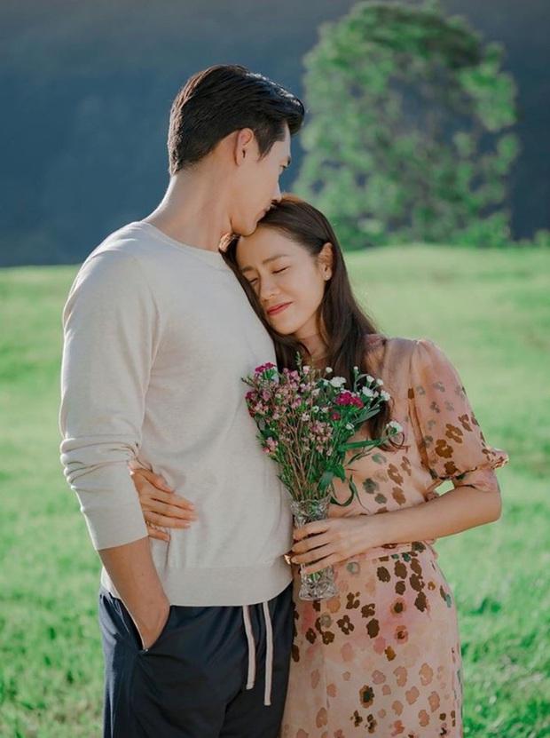 Hot lại ảnh Son Ye Jin làm cô dâu 13 năm trước, ảnh vỡ nhoè nhưng nhan sắc vẫn đỉnh: Thế này Hyun Bin vội rước về đi chứ còn gì? - Ảnh 11.