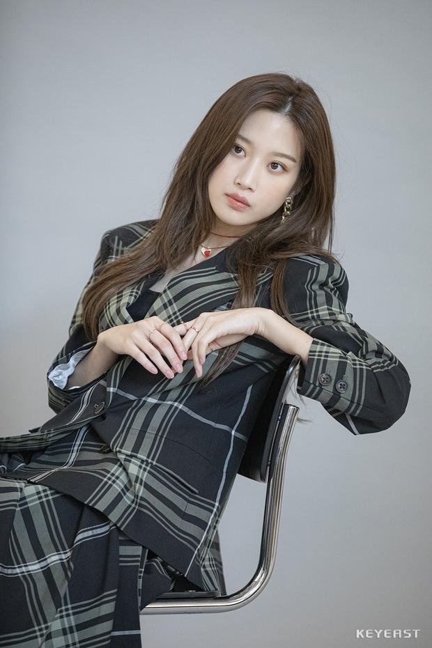 Mỹ nhân True Beauty khiến netizen chưng hửng bởi kiểu tóc thật lạ: Lạ thì có nhưng xinh thì tôi không chắc! - Ảnh 9.