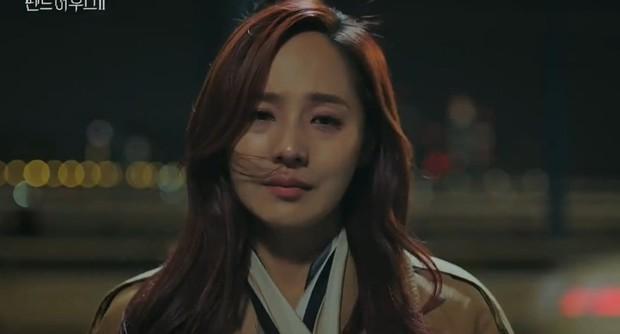 4 khoảnh khắc tình người hiếm hoi ở Penthouse 2: Đến ác ma Ju Dan Tae cũng từng gào khóc vì người thương - Ảnh 5.
