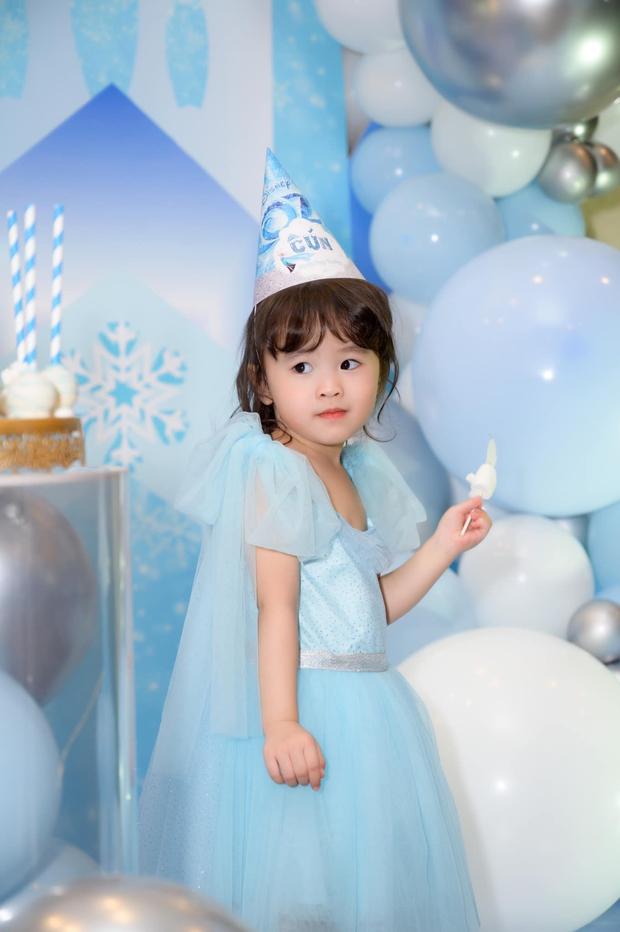 Tú Vi - Văn Anh khoe ảnh con gái tròn 3 tuổi xinh như thiên thần, tiết lộ sẽ cho con học một thứ đặc biệt khi vào lớp 1 - Ảnh 3.