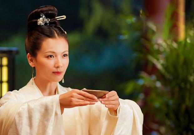 Hoàng hậu cả gan nhất lịch sử Trung Hoa: Dám bạt tai Hoàng đế đến xây xẩm mặt mày vì dung túng Phi tần loạn ngôn nói xấu chính thất - Ảnh 5.
