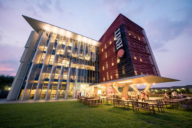 Ngôi trường chỉ dành cho con nhà giàu ở Việt Nam có đến 15 nhà hàng trong canteen, bảo sao học phí bạc tỷ! - Ảnh 2.