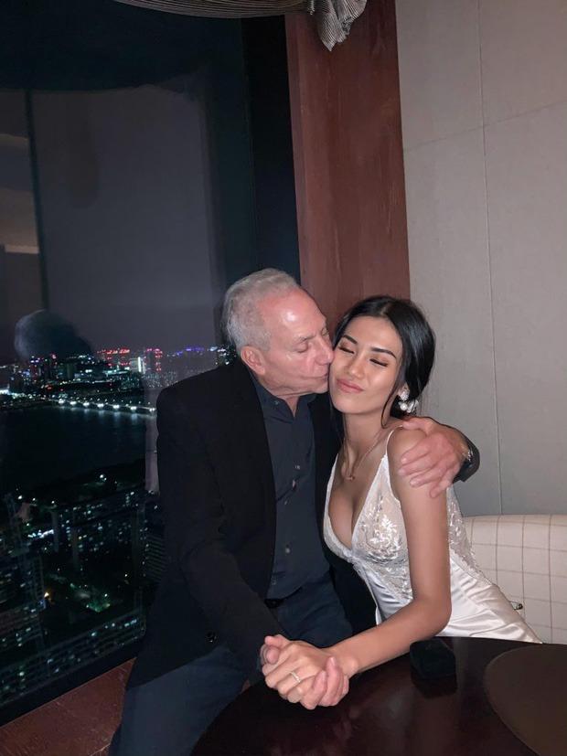 Hành trình gái Việt 26 tuổi yêu tỷ phú 72 tuổi: Quen chưa đầy nửa năm đã đính hôn, livestream công bố chia tay vì cãi lộn lần thứ n - Ảnh 5.