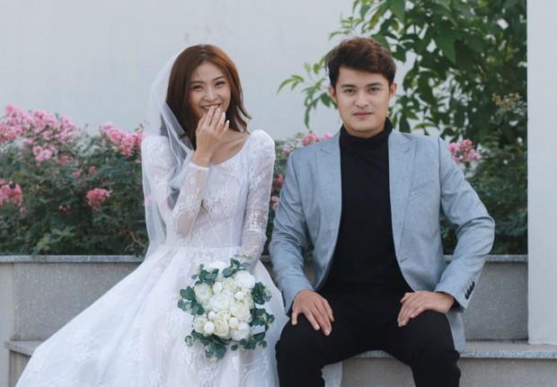 1 năm sau ngày cưới, cặp duy nhất kết hôn ở Người Ấy Là Ai vẫn khiến con dân ghen tỵ khi liên tục phát cẩu lương - Ảnh 2.