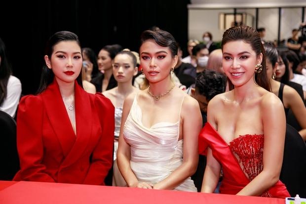Đã chụp hẳn poster với Minh Tú nhưng Hoa hậu Tiểu Vy vẫn bị đá khỏi ghế HLV trong show thực tế mới? - Ảnh 4.