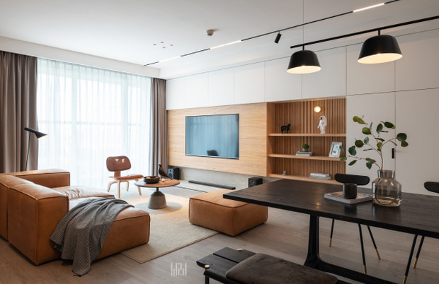 Tân trang căn hộ 125m2, kỹ sư IT khiến hội cuồng công việc thấy là ghiền với phong cách tối giản đẹp tinh tế - Ảnh 1.