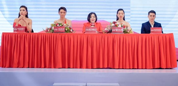 Đã chụp hẳn poster với Minh Tú nhưng Hoa hậu Tiểu Vy vẫn bị đá khỏi ghế HLV trong show thực tế mới? - Ảnh 3.