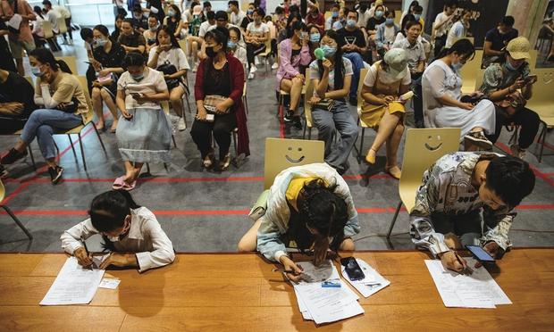 Loạt ảnh diễn viên quần chúng bị giẫm đạp trên phim trường gây sốc MXH, netizen bất ngờ nhắc tên Vu Chính - Ảnh 8.
