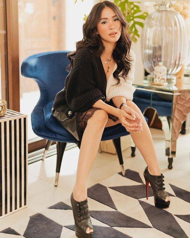 Bạn thân Hà Tăng diện quần jeans mà dân tình xa lánh, lặp lại vết xe đổ từ style thảm họa của Hương Giang - Phượng Chanel - Ảnh 2.