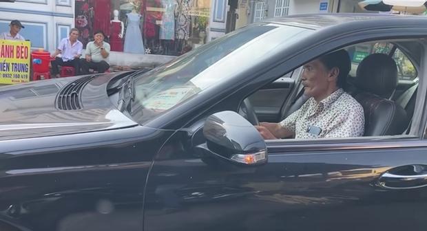 Sau cơn đột quỵ, NS Thương Tín đổi đời nhờ tình người trong Vbiz: Có xe hơi lại sắp có nhà, còn thêm chút vốn dư để kinh doanh - Ảnh 2.