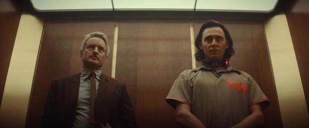 Bóc trailer mới của Loki: Tháp Avengers sụp đổ và hàng loạt tình tiết dễ bỏ qua - Ảnh 2.