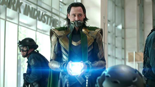 Bóc trailer mới của Loki: Tháp Avengers sụp đổ và hàng loạt tình tiết dễ bỏ qua - Ảnh 6.