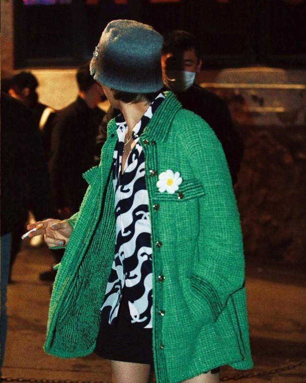 Ông hoàng Kpop G-Dragon tái xuất trên tạp chí sau tin hẹn hò Jennie: Cân đồ khó nhằn, tóc có gì hot mà Knet khen tíu tít? - Ảnh 10.