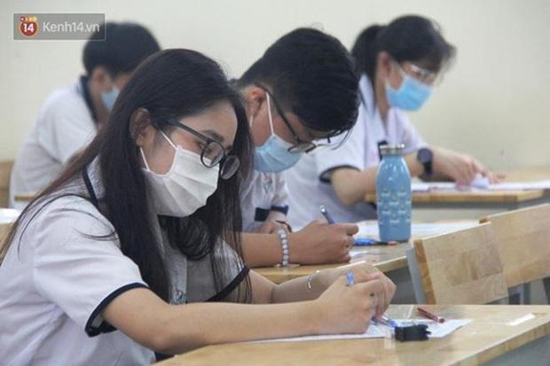 Những lỗi sai cơ bản nhưng thí sinh thường gặp khi điền phiếu đăng ký dự thi tốt nghiệp THPT và hướng dẫn cách viết đúng nhất - Ảnh 7.