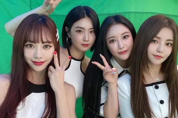 Producer đào tạo Brave Girls 10 năm mới thành công là người đứng sau loạt hit của BIGBANG - Sunmi, từng cứu AOA, hồi sinh Park Bom - Ảnh 3.