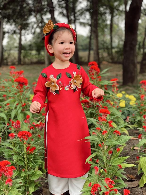 Sau 1 năm cho con đi học sớm, vợ chồng siêu mẫu Hà Anh hạnh phúc vì bé Myla bộc lộ nhiều tài năng, kiếm được tiền khi mới 2 tuổi nhờ page thời trang riêng - Ảnh 2.