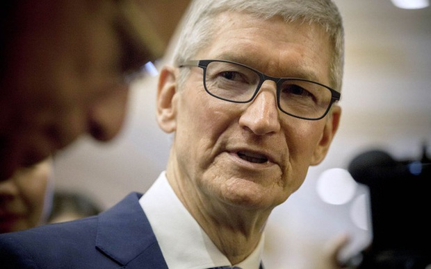 Ở tuổi 60, CEO Tim Cook úp mở về việc lãnh đạo Apple trong 10 năm tới - Ảnh 1.