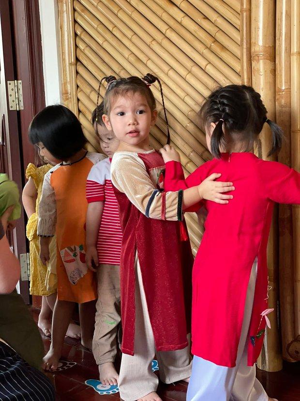 Sau 1 năm cho con đi học sớm, vợ chồng siêu mẫu Hà Anh hạnh phúc vì bé Myla bộc lộ nhiều tài năng, kiếm được tiền khi mới 2 tuổi nhờ page thời trang riêng - Ảnh 3.