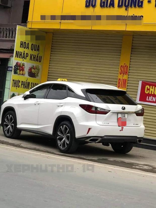 BMW tiền tỉ gắn biển taxi chạy trên phố Hà Nội khiến người đi đường xôn xao, chụp ảnh đăng lên MXH - Ảnh 5.